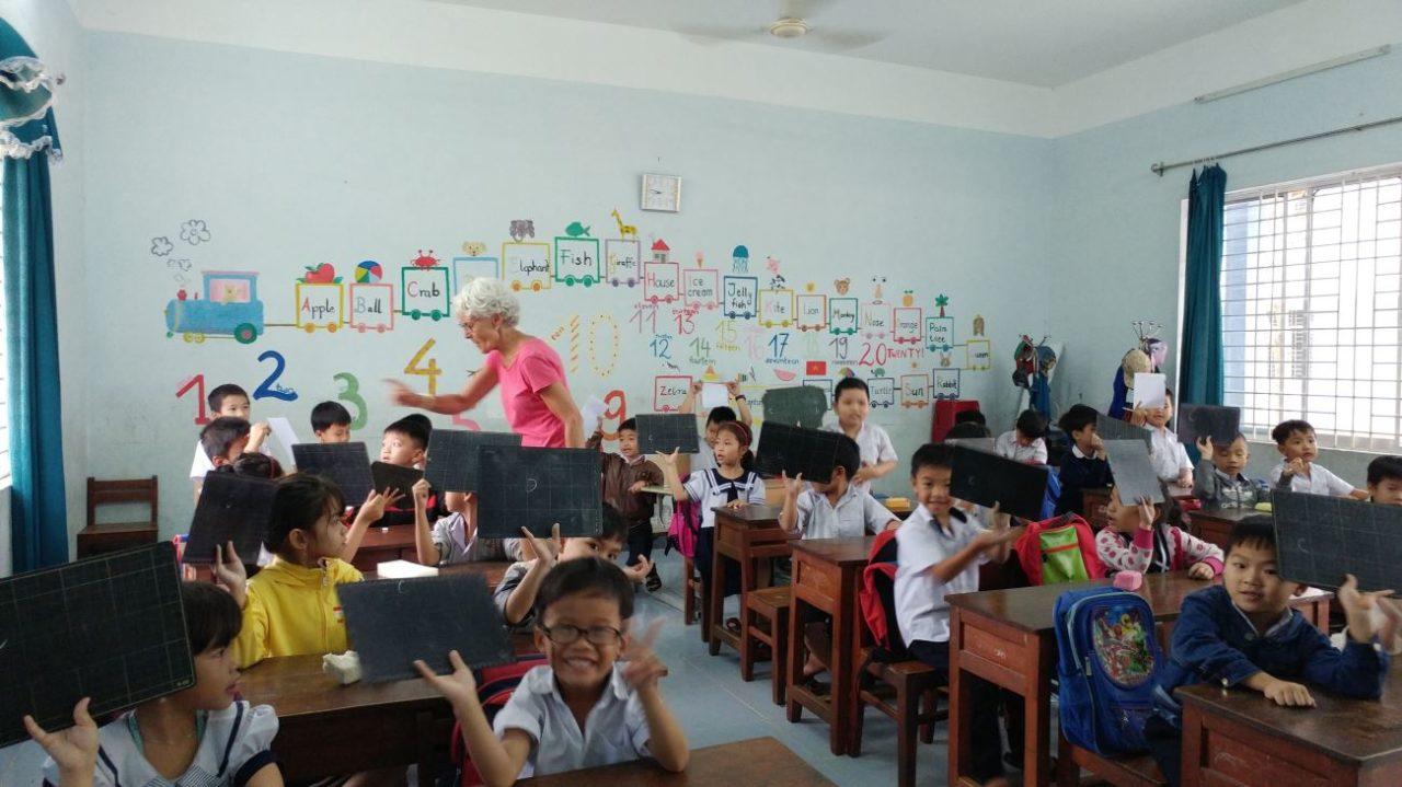 volunteer-vietnam-danang-003